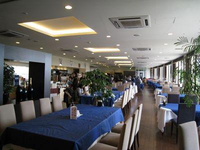 北中城村 『ホテルコスタビスタ沖縄』の客席空席
