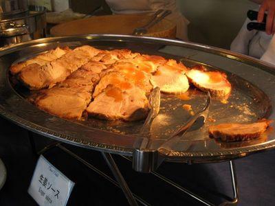 北中城村 『ホテルコスタビスタ沖縄』ランチバイキング 肉料理