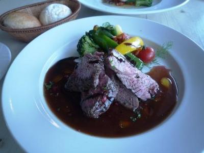 Hanta Baru(はんたばる)のメイン 牛肉料理
