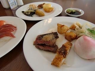 沖縄ワシントンホテルのランチメニュー例1