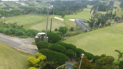 大西レストランから見渡せる 外の風景 ゴルフ場雰囲気